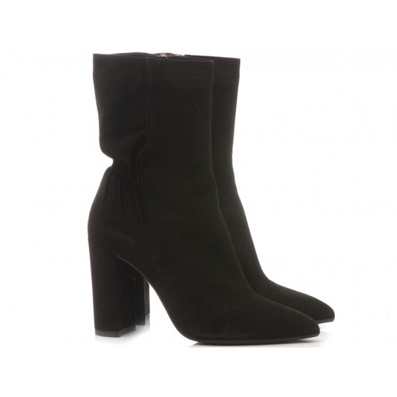 Chantal Woman's Ankle Boots Suede Black 340