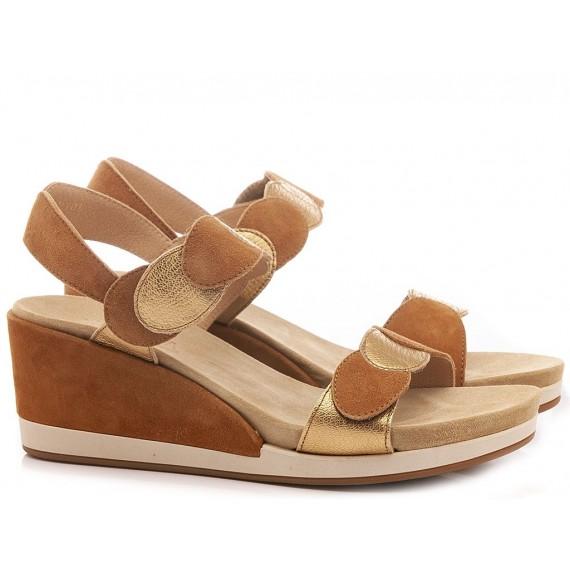 Benvado Women's Shoes-Sandals 43007004 Suede Tan-Gold